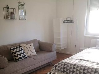 Excellent location Sunny City Center Appartment