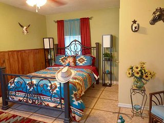 Pleasant Day Bed and Breakfast SouthWest Cottage