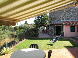3 bedroom Villa in Monte Marcello, Liguria, Italy - 5651007