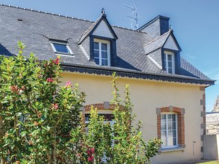 2 bedroom Apartment in Treguier, Brittany, France - 5673578
