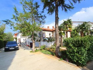 Spacious apartment in the center of Umag with Parking, Internet, Air conditionin