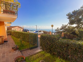 Spacious house close to the center of Rapallo with Parking, Internet, Washing ma
