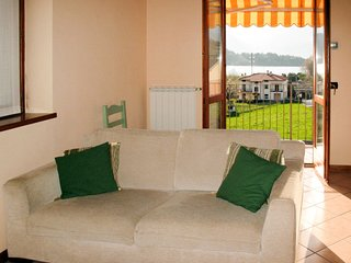 1 bedroom Apartment with WiFi and Walk to Beach & Shops - 5702431