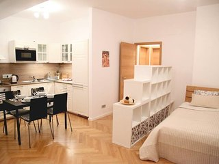 Cozy apartment close to the center of Prague with Lift, Internet