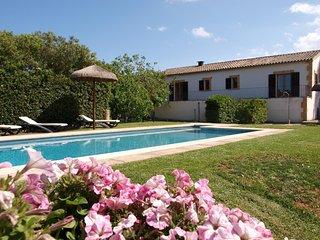 Spacious villa in Santa Margalida with Parking, Internet, Washing machine, Air c