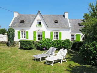 4 bedroom Villa in Goulien, Brittany, France - 5650023