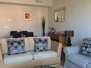Buenas Noches Apartment Sleeps 4 with Pool Air Con and WiFi - 5700416