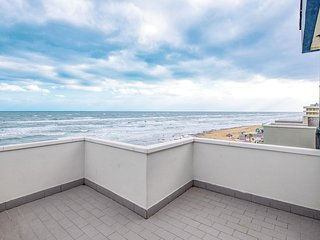 1 bedroom Apartment in Marotta, The Marches, Italy - 5737191