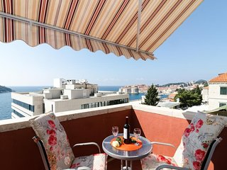 Apartment & Room Ivela - One Bedroom Apartment with Balcony and Sea View