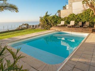 Ocean View Villas Bantry Bay | Sea Views - 4BR - Pool Garden- Windfree