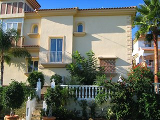 4 bedroom Villa with Pool, Air Con and WiFi - 5700519
