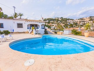 4 bedroom Villa with Pool, Air Con and WiFi - 5744686