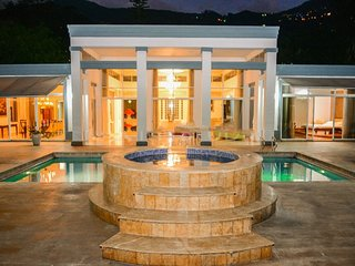 Mansion Private Pool bachelor parties weddings Jacuzzi