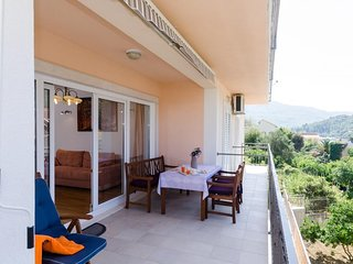 Apartment Marela- One Bedroom Apartment with Balcony and Sea View