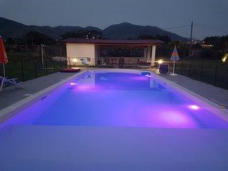 appartement RDC avec piscine aux pieds des montagnes