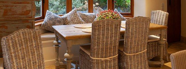 kitchen table overlooking the garden