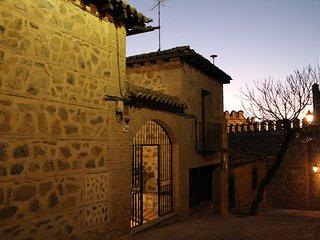 CASA DE BISAGRA. Casa 1: Casco historico. Facil acceso y aparcamiento