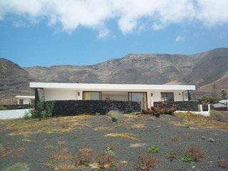 2 bedroom Villa in Famara, Canary Islands, Spain - 5691442