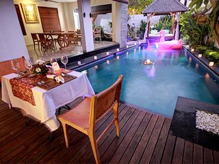 The Exclusive 4 Bedroom Private Pool Villas Breakfast+Seating Area