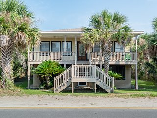 302 E ARCTIC AVE - BEACH CHALET- MINS TO THE BEACH