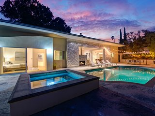 Private Oasis in Hollywood Hills w/ Pool & Hot Tub