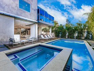 Hollywood Luxury on 4th w/ Theater Room, Pool and Hot Tub