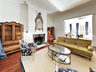 Exquisite Design District Parlor Apartment w/ Courtyard - Walk Everywhere!