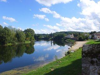 Ygeia, La 'Chambre Bleue' avec vue sur la Dordogne à 15 km de Saint Emilion