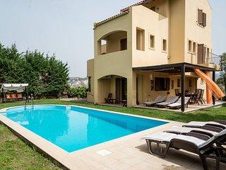 Phoenix, villa familiale, piscine privée, spacieuse,environnement calme