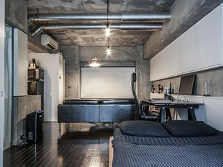 Designer's Apartment by Roppongi