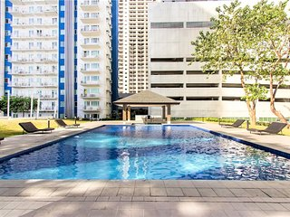 Homey 1 Br Condo w/ Wifi, Cable & Pools