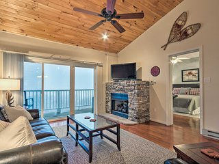 Cozy Condo w/ Mountain Views - 2 Miles to Resort!