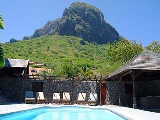 Villa Ayapana, with pool and total privacy above the golf course of Le Morne
