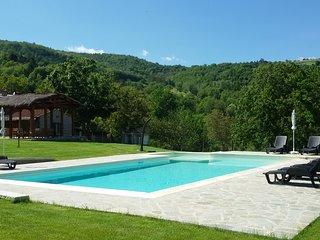 Podere Verdi Colline - Antico podere con piscina privata in Toscana