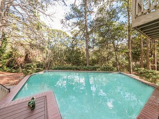 5 Bedroom 5.5 Bath Sea Pines Home. Private Pool, Free Bikes Family Suite