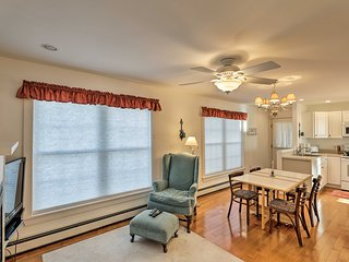 NEW! Cozy Rockland Apt w/ Fireplace & Ocean Views!