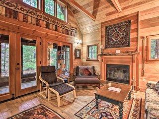 'Picaflores' McKenzie River Valley Cabin w/ Sauna!