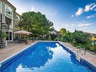 Luxury Home on Sunrise Lake, 1 Mi to TPC Golf