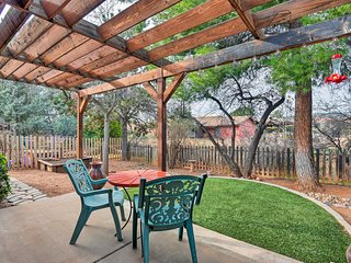 Oak Creek Home w/Yard - By Bell Rock & Sedona