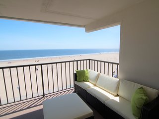 Large Private Balcony Overlooking the Beach - Boardwalk - Oceanfront!