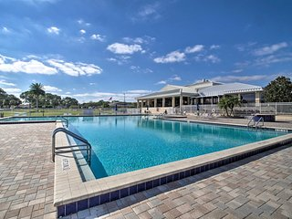 Orlando Country Club Home w/Pool ~6 Mi. to Airport