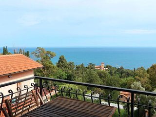 2 bedroom Apartment in Mortola Inferiore, Liguria, Italy - 5715271
