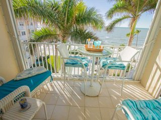 Continental Club-Lovely 6th Flr. Beach Front Condo-Enjoy Panoramic Gulf Views &