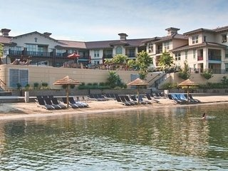 Beautiful Condo + Lake View | Beachfront + Private Beach + Hot Tub