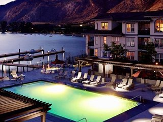 Private Balcony + Lake Views | Hot Tub + Outdoor Pool + Beachfront
