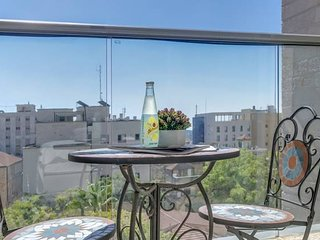 Spectacular 4BR Parking/Gym/Terrace in city center