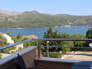 Spacious apartment close to the center of Slano with Parking, Internet, Air cond