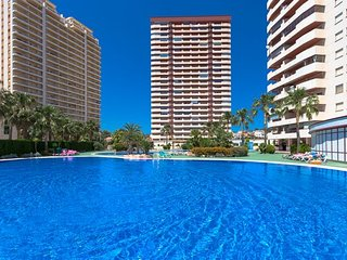 2 bedroom Apartment with Pool, WiFi and Walk to Beach & Shops - 5744660