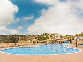 2 bedroom Apartment with Pool, Air Con and WiFi - 5744698