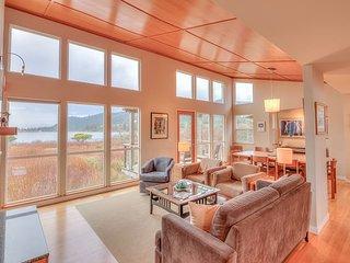 Modern Home, Stunning Lake-Front Views, Three-Minute Walk to the Beach!